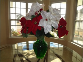 Holiday centerpiece with water gems